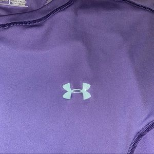 Under Armour Tops - Under Armour fitted top size medium